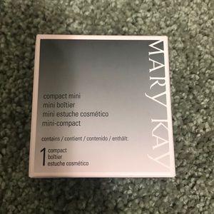 NWOT Mary Kay Compact Mini